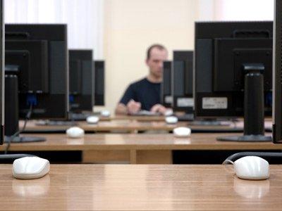 A work hub ready for delegates